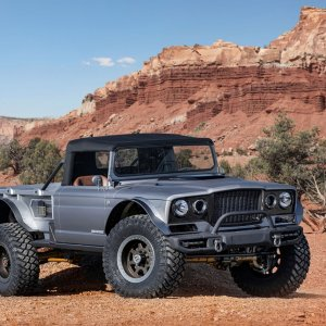 Jeep M-715 Five-Quarter-03.jpg